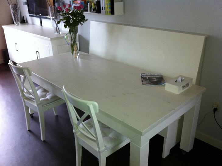Eettafel wit met bank