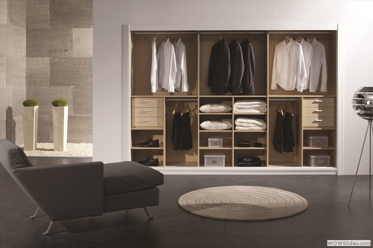 Opruimen in stijl met deze prachtige kastenwand met schuifdeuren