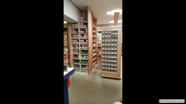 Schroeven en spijkers gaan bij ons per stuk of per doos